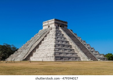 Pyramid Kukulkan in the Mayan archeological site Chichen Itza, Mexico