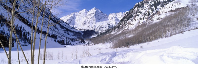 Pyramid Peak and Maroon Bells in winter, near Aspen, Colorado