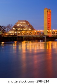 Pyramid and Tower Bridge in Sacramento at night