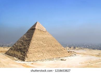 The Pyramids of Chephren, Giza, Cairo, Egypt.jpg