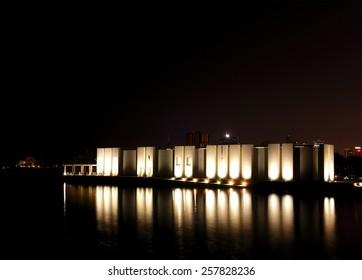Qal'at al-Bahrain site museum at night