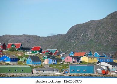 qaqortoq colorfoul buildings