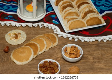 Qatayef - Traditional middle eastern sweets , usually eaten in Muslims holy month : Ramadan
