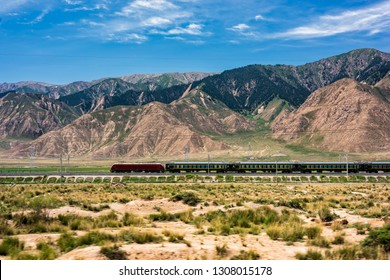 Qinghai Tibet Railway Passenger Train