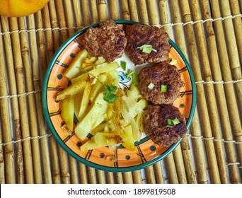 Qofte Ferguara - Fleischbällchen einer der albanischen Gerichte sowie ein Teil der nahöstlichen Küche