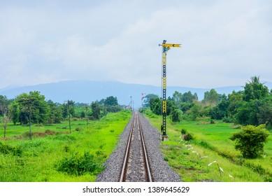quadrant semaphore signals in Thailand Railway