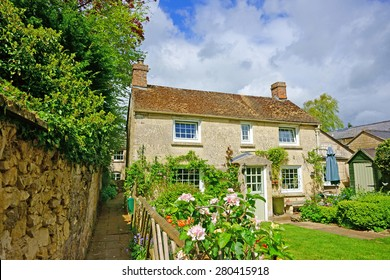 A quaint individual Cotswold country cottage in the heart of the Cotswolds, Gloucestershire, United Kingdom