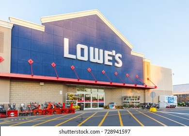 Quakertown, PA/USA - October 1, 2017: Lowe's Home Improvement Warehouse exterior. Lowe's is an American chain of retail home improvement stores in the United States, Canada, and Mexico.