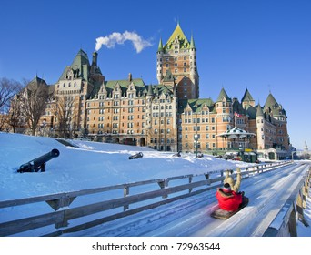 Quebec City in winter, traditional slide decent