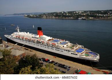 Queen Elizabeth 2 in September 2008 in the port of Quebec.