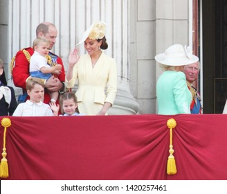 Queen Elizabeth London uk 8June 2019- Meghan Markle Prince Louis Harry George William Charles Kate Middleton & Princess Charlotte Trooping the colour Royal Family Buckingham Palace stock Press photo