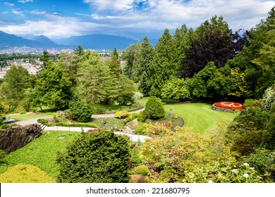 Queen Elizabeth Park in Vancouver. At 152 meters above sea level, the public park is the highest point in Vancouver with spectacular views of the gardens, city and mountains on the North Shore.