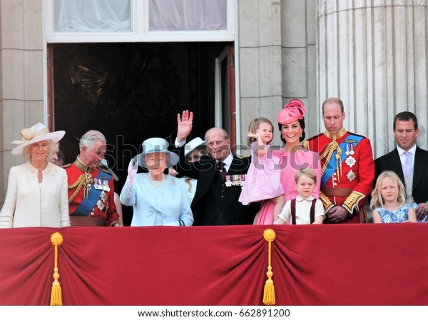 Queen Elizabeth Prince Philip  & Royal Family, London June 17 2017- Prince George William, Kate, Charles Balcony Buckingham Palace -Queen Elizabeth s Birthday, Trooping the colour stock photo press