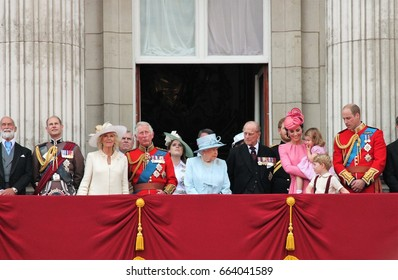 Queen Elizabeth & Royal Family, Buckingham Palace, London June 2017- Trooping the Colour Prince george, William  on Balcony for Queen Elizabeth's Birthday, June 17, 2017 London, England, UK