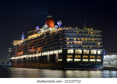 Queen Elizabeth - YOKOHAMA, JAPAN - MARCH 17, 2014 Queen Elizabeth is a Signature class cruise ship operated by the Cunard Line with 90,400 tons