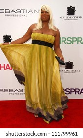 "Queen Latifah at the Los Angeles premiere of ""Hairspray"". The Mann Village Theatre, Westwood, CA. 07-10-07"