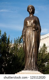 Queen Marie of Romania - Sculpture created in 2012 which is situated in front of Oradea State Theatre Maria.