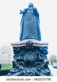 Queen Victoria statue, in front of Windsor Castle - February 2019. Shows the majestic beauty of the sculpture and the dominion and power of the queen over her region. Goosebumps guaranteed.