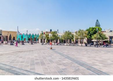 QUERETARO, MEXICO: OCTOBER 3, 2016: Plaza de los Fundadores square in the center of Queretaro, Mexico