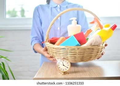 Quick cleaning of premises with the help of cleaning service