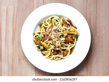 Quick noodles with roasted vegetable and chicken