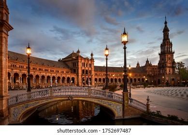 Quiet evening at Plaza de España in Sevilla, Spain