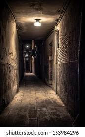 quiet venice alley at night