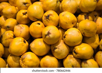 Quince natural fruit