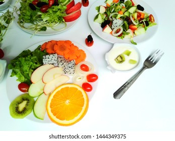 Quito food, healthy fruits and vegetables, weight loss foods, many vitamin foods, keto menus or salads, food choices to lose weight, vegetarian