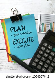 Quote on plan and execution, written on sticky note