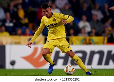 Raba of Villarreal controls the ball during the Group G match of the UEFA Europa League between Villarreal CF and Rapid Wien at La Ceramica Stadium Villarreal, Spain on October 25, 2018.