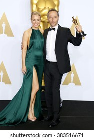 Rachel McAdams and Emmanuel Lubezki at the 88th Annual Academy Awards - Press Room held at the Loews Hollywood Hotel in Hollywood, USA on February 28, 2016.