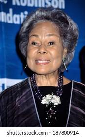Rachel Robinson, wife of Jackie Robinson, at Jackie Robinson Foundation Gala, NY 3/3/2003