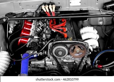 Racing car engine block with custom air duct