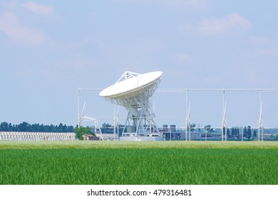 Radar for space telecommunications