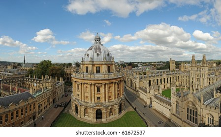 Radcliffe Camera and All Souls College, Oxford University. Oxford, UK