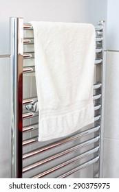 Radiator towel