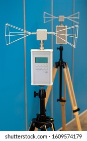Radio Frequency transmission and reception instruments, with biconical antennas