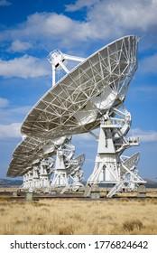 Radio Telescopes at the Very Large Array