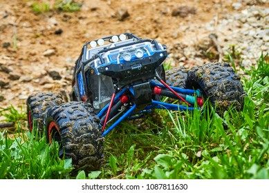 Radio-controlled car movement