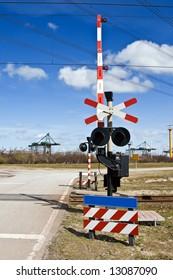 Rail crossing signpost