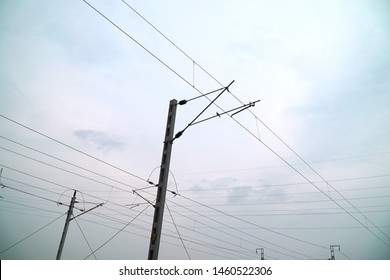 Overhead Train Wires Images, Stock Photos & Vectors