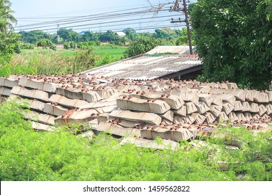 Rails trains concrete sleeper stack