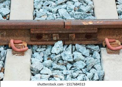 railway steel, thermal expansion design