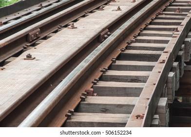 railway,railroad.