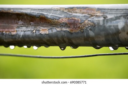 Raindrops on a bar
