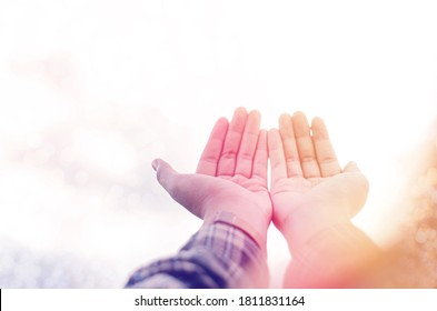 Raise your hands and praise the Lord Asking God to help repent, praying, Christian Christianity background The struggle and victory for God