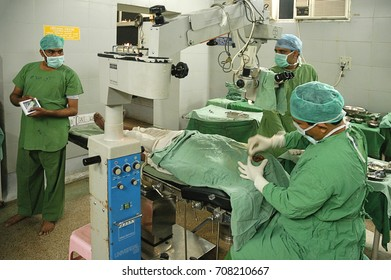 RAJASTHAN, INDIA - MARCH 04, 2006: Aspect of a room and the staff of an operating room, in the Jaipur hospital