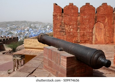 RAJASTHAN, INDIA - MARCH 14, 2006: Old war cannon, at Fort Jodhpur