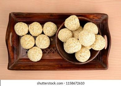 Rajgira Laddo, Cholai ke Laddo or Amaranth laddoo in wooden bowl on wooden background